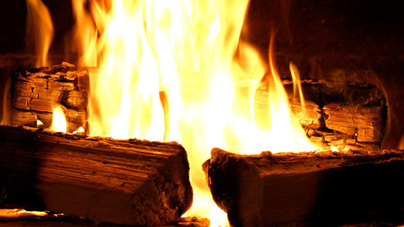 Fireplace 4K: Classic Crackling Fireplace from Fireplace for