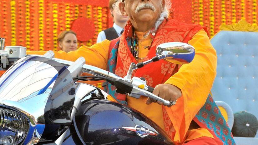 Immagine tratta da Dharam Sankat Mein