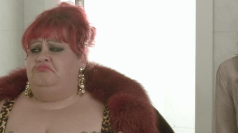 Si pu fare l 39 amore vestiti film 2012 disponibile in - L ufficiale giudiziario puo aprire gli armadi ...