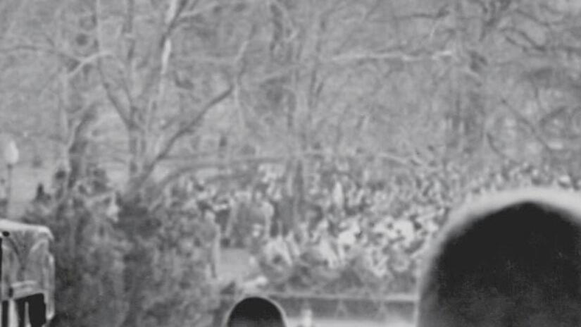 Immagine tratta da The War: A Film by Ken Burns and Lynn Novick